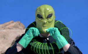 14_Alien_Costume-SCREENSHOT