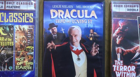 27-Dracula-Dead-and-Loving-It